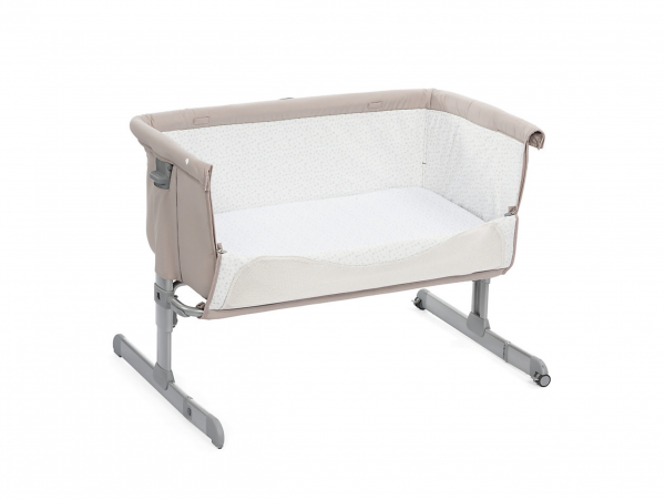 Chicco Next 2 Me Bedside Crib 8