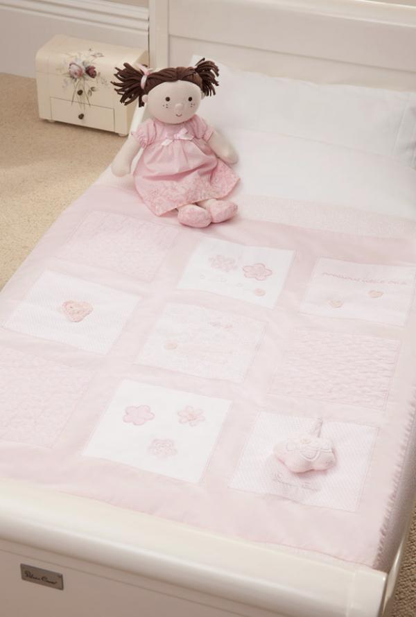 Vintage_Pink_Cot_Bed_Quilt