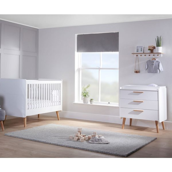 Silver Cross Brighton Cot Bed & Dresser 5