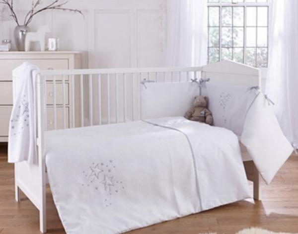 Clair De Lune Starburst Cot/ Cot Bed Quilt & Bumper - White 1